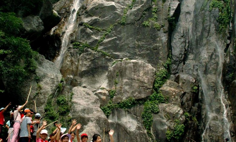 Schüler bei der Tour ins Myohyang-Gebirge